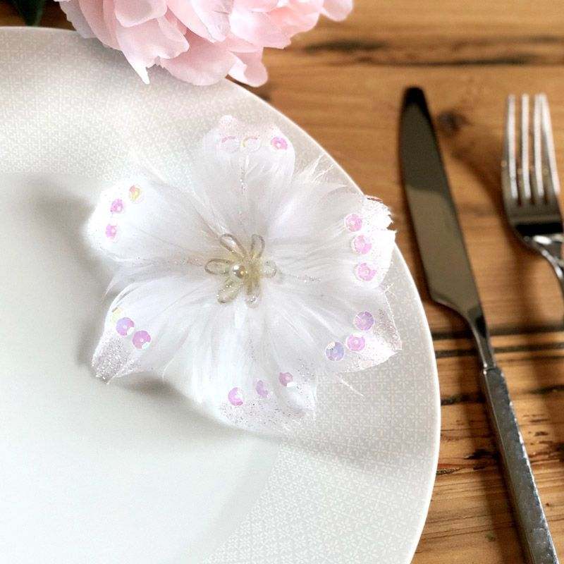 Fleurs plume pailleté sur pince lot de 4 - Blanche